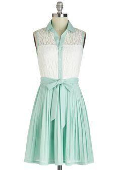 I NEED this dress for graduation!! So gorgeous!!  omgggggggggggggg gorgeous am i right xxoo
