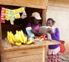 Compartir las buenas nuevas de Kira, Uganda.