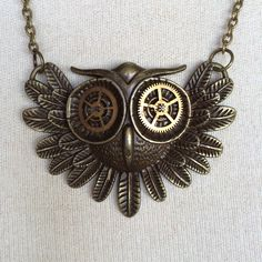 steampunk necklace with owl http://steampunk-heaven.nl/product/steampunk-ketting-193-kleur-brons-met-uil-met-steampunk-ogen/