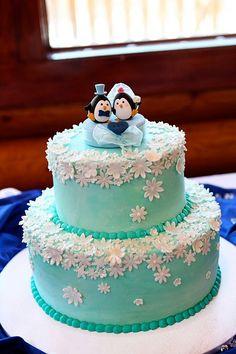 Real wedding photo --  penguins Wedding Cake Topper #weddingparty #ceremony #cute #animalscaketopper #handamdecaketopper #custom #weddingideas #planning #claydoll #sculpted #結婚式 #Boda #Hochzeit #혼례 #KIKUIKESTUDIO #weddingcake