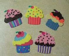 Loved these things! Cupcakes hama perler by ColorKlick Melty Bead Patterns, Pearler Bead Patterns, Perler Patterns, Beading Patterns, Embroidery Patterns, Knitting Patterns, Crochet Patterns, Hamma Beads 3d, Pearler Beads