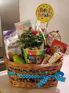 Birthday Snacks, Birthday Gift Baskets, Birthday Gifts, Picnic, Dulce De Leche, Birthday Presents, Picnics, Anniversary Gifts, Picnic Foods