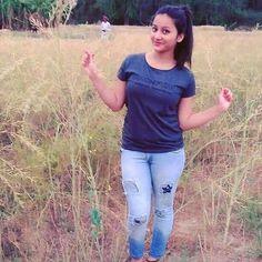 Saree Hit: Hindustani Village Girl Who Becomes an Artist Beautiful Girl Makeup, Beautiful Blonde Girl, Beautiful Girl Photo, Beautiful Girl Indian, Dehati Girl Photo, Girl Photo Poses, Girl Photos, Hd Photos, Indian Girl Bikini