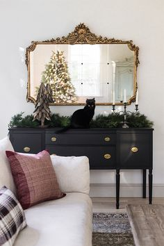 Christmas Living RoomOur Christmas Living Room Planter Lights from Warmly 2019 Holiday Housewalk - Dear Lillie Studio - - Christmas 2018 Entry & Living Room Decor - Christmas House Tour Design Living Room, Home Living Room, Living Room Decor, Living Spaces, Bedroom Decor, Barn Living, Cozy Living, Small Living, Modern Living