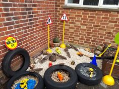 Construction Area Early Years, Construction Area Ideas, Construction Eyfs, Eyfs Outdoor Area, Outdoor Play Areas, Childcare Activities, Nursery Activities, Motor Activities, Outdoor Nursery