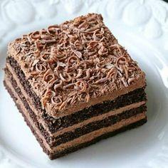 Sweets Recipes, Cake Recipes, Romanian Desserts, Food Garnishes, Oreo Dessert, Something Sweet, Vanilla Cake, Mousse, Caramel