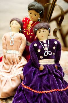Best Thrift Stores Shopping Tips - Cheap, Vintage Fashion Native American Dolls, Native American Beauty, Native American Indians, Native Americans, Thrift Store Shopping, Shopping Hacks, Thrift Stores, Native Indian, Native Art