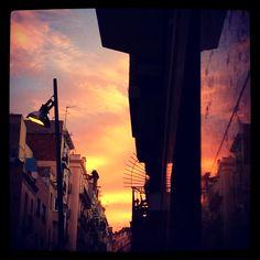 Reflejos de un atardecer en Barcelona