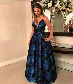 elegant v-neck prom party dresses , fashion formal evening gowns, chic dresses for special occasion Source by amecari fashion formal Grad Dresses, Prom Party Dresses, Homecoming Dresses, Short Dresses, Formal Dresses, Pretty Dresses, Beautiful Dresses, Chic Dress, Dress Up