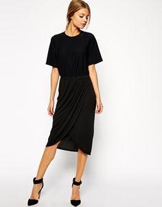 Agrandir ASOS - Robe fourreau avec jupe drapée et t-shirt texturé