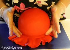 How to Cover a Round/Ball Cake with Fondant {Picture Tutorial}