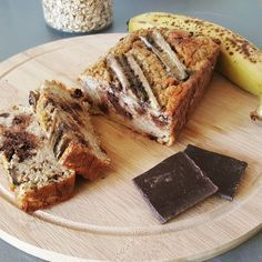 Banana, Oatmeal, Chocolate Chip Cake - Gluten-free banana & chocolate cake with rolled oats – Par CuisineTaLigne. Ihop French Toast Recipe, Banana Bread French Toast, Easy Banana Bread, Baked Banana, Gluten Free Zucchini Bread, Zucchini Bread Recipes, Gluten Free Banana, Healthy Zucchini, Chocolate Chip Cake