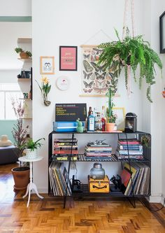 7 bohemian interior design ideas that you are going to love! These design ideas are going to elevate your decor and are the perfect inspiration for your Fall ho
