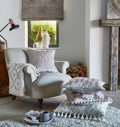 Amprenta luxului este in fiecare dintre produsele noastre, alese si fabricate cu grija pentru confortul si satisfactia dumneavoastra. Consultanta gratuita la 👍Feroti Decor ✅ Programari vizite ShowRoom - 0740-952-559 www.feroti.ro ⭐️ #perdelesidraperii #perdele #draperii #ferotidecor #decoratiuniinterioare Decor Interior Design, Interior Decorating, Prestigious Textiles, Soft Furnishings, Interior Inspiration, Luxury Homes, Home Goods, Upholstery, Art Deco