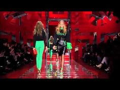 The Women's FW15 collection is all about #GREEK, the future of Versace today. Watch the catwalk video: https://www.youtube.com/watch?v=3amm8CrodU0 #Versace #VersaceWomenswear