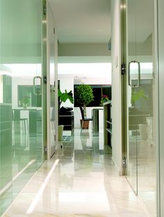 http://www.flickr.com/photos/29863908@N06/2810952622/in/set-72157607019321818/ #KOHLER #chromatherapy  bathtub #interior #design #japan #spa #bathtub #kitchen #toyo #design #glass #sink #italian #asia #shanghai #genco #berk #yamanashi