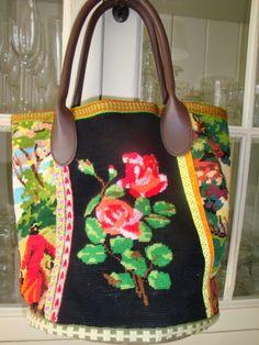 sacs vintage Nail Polish nail polish used in salons Handmade Handbags, Handmade Bags, Hand Craft Work, Embellished Purses, Diy Sac, Tapestry Bag, Fabric Bags, Cute Bags, Handmade Clothes