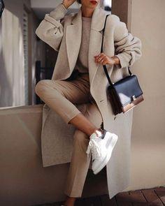 Fashion Tips Moda .Fashion Tips Moda Winter Fashion Outfits, Look Fashion, Fashion News, Winter Outfits, Autumn Fashion, Fashion Style Women, Hijab Fashion, Nike Fashion, Woman Fashion