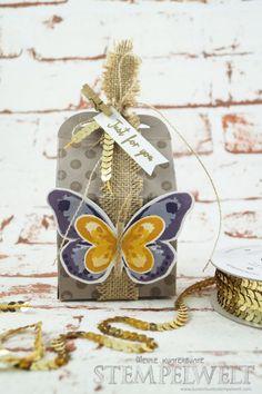 Stampin´ Up!_Watercolor Wings_Bold Butterfly Framelits_Butterfly Thinlits_Thinlitsform Leckereientüte_Blauregen_Pflaumenblau_Aubergine_Safrangelb_Curry Gelb_Ockerbraun_Paillettenband_Jute Band_1