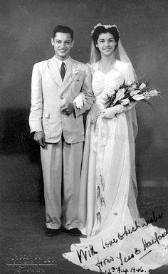 WEDDING PHOTOGRAPH OF TESSIE DA SILVA TO HALFORD BOUDEWYN - 1946