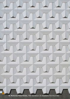 """Multicines Palau Balaña, 1965.  Sant Antoni, 43. Arquitecto: Pere Ricart Biot. Foto: Gabi Beneyto. Llibro """"Discordias Barcelonesas"""". www.edetresde.es/es/work-category/libros/"""