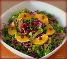 Η πολύχρωμη, δροσερή σαλάτα με κινόα , της φιλενάδας μου! Eating Well, Clean Eating, Healthy Eating, Healthy Food, Fruit Salad, Cobb Salad, Diet Recipes, Healthy Recipes, Food N