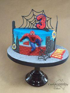 Spiderman Cake Ideas for Little Super Heroes - Novelty Birthday Cakes Spiderman Torte, Spiderman Cake Topper, Spiderman Birthday Cake, Batman Cakes, Superhero Cake, Spider Man Party, Novelty Birthday Cakes, Baby Boy Birthday, Cakes For Men