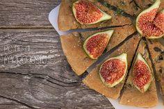 Pic Nic di #ferragosto con focaccia e fichi by mariannacolantoni, via Flickr #food #foodies #recipe