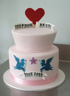Rockabilly Wedding Cake - This is what I want!