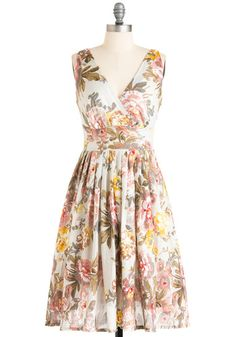 I love the print so hard. I would wear this all spring time and drink tea from a beautiful teacup and saucer.