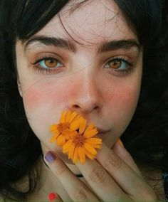 Simple tricks to improve your eyebrows So you don& have the t . - Simple tricks to improve your eyebrows So you do not continue to have the typical mega thin eyebrow - Cute Hairstyles For Short Hair, Trendy Hairstyles, Black Hairstyles, Eye Photography, Fashion Photography, Photography Lighting, Popular Photography, Photography Aesthetic, Photography Flowers
