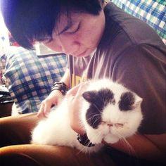 Catatan si Kucing: Kucing Muntah Keluar Cacing