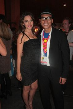 With hottie Kelly Brook at Comic-Con 2010. Check out my movie blog: Rama's SCREEN at www.ramascreen.com and LIKE my Facebook page at facebook.com/ramascreen and follow me on twitter at @RamasScreen