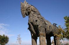 Réplica do Cavalo de Tróia, em exposição na Turquia