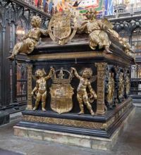 """Image of the tomb of Henry VII and his queen Elizabeth of York. The tomb reads """"Here lies Henry the Seventh of that name, formerly King of England, son of Edmund, Earl of Richmond. He was created King on August 22 and immediately afterwards, on October 30, he was crowned at Westminster in the year of our Lord 1485. He died subsequently on April 21 in the 53rd year of his age. He reigned 23 years eight months, less one day."""" Italian sculptor Pietro Torrigiano designed the tomb."""