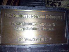Nuestro Biblioburro Ganador del premio Colombiano Ejemplar. Felicitaciones a nuestro amigo y maestro. Seguimos trabajando día a día, con esfuerzo y sacrificio que al final tiene su recompensa. Cortesía: Fundación Biblioburro, Santa Marta, Magdalena (Colombia).