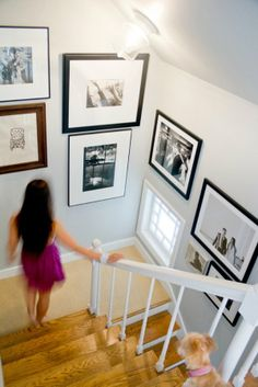 Picture frame ideas for stairs stairwell decorating picture frame ideas for staircase Gallery Wall Staircase, Staircase Design, Gallery Walls, Art Gallery, Staircase Landing, Stairwell Wall, Frame Gallery, Staircase Ideas, Stairwell Decorating