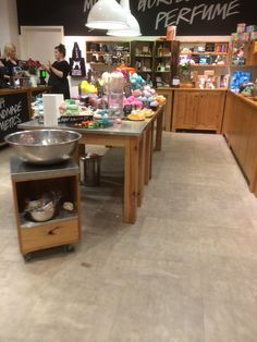 Lush - Peterborough - Health & Beauty - Bath - Layout - Lifestyle - Landscape - Visual Merchandising - www.clearretailgroup.eu
