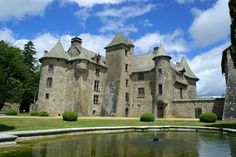 Château de Cordes in Orcival, Auvergne, France ~ built in the XV century (belonged to the Chalus family for 400 years) Chateau Medieval, Medieval Castle, Castle Ruins, Castle House, Monuments, Small Castles, French Castles, Ville France, Beautiful Castles