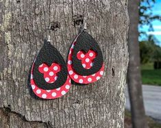 Hand-made Ears and Jewelry by DesperateDesignEars on Etsy Diy Leather Earrings, Leather Jewelry, Leather Craft, Disney Earrings, Disney Jewelry, Jewelry Crafts, Handmade Jewelry, Jewelry Ideas, Turkish Jewelry