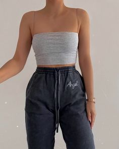 ideas for school lazy days Fashion Inspiration And Trend Outfits For Casual Look Cute Lazy Outfits, Girly Outfits, Retro Outfits, Stylish Outfits, Stylish Clothes, Vintage Outfits, Summer Outfits, Teen Fashion Outfits, Mode Outfits