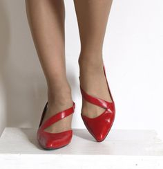 1980s strappy RED kitten heels Shoes Slingbacks 7B by seesong, $35.00