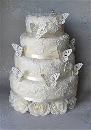 lace wedding cake - ahh butterflies!