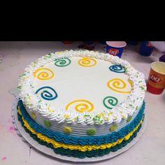 DQ ice cream cake, Tasha's birthday tradition <3 Buttercream Cake Designs, Cake Icing, Cupcake Cakes, Cupcakes, Cake Decorating Videos, Birthday Cake Decorating, Cake Decorating Techniques, Dq Ice Cream Cake, Dairy Queen Cake