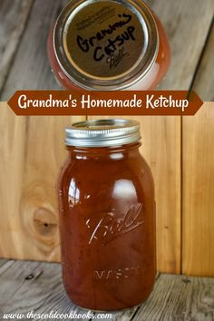 Tomato Recipes Grandma's Homemade Ketchup can be made with fresh tomatoes and onions or canned tomato juice for a condiment that will remind you of the good old days. Canned Tomato Recipes, Canned Tomato Juice, Homemade Ketchup Recipes, Homemade Spices, Canning Recipes, Sauce Recipes, Recipe For Catsup, Recipe With Tomato Juice, Vegan Recipes