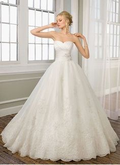 Ball-Gown Strapless Sweetheart Chapel Train Organza Satin Wedding Dress With Ruffle Appliques Lace