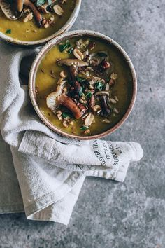 Wild mushrooms vegan soup #fall | TheAwesomeGreen.com