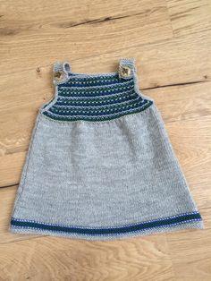 Knitting baby dress is fun! Knitting baby dress is fun! Knitted Blankets, Knitted Hats, Crochet Baby, Knit Crochet, Knit Baby Dress, Maila, Baby Cocoon, How To Start Knitting, Little Dresses