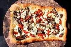 Portabello and goat cheese pizza