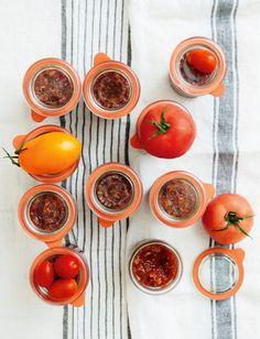 Pomidorowe przetwory. Przecieraj, gotuj, przelewaj